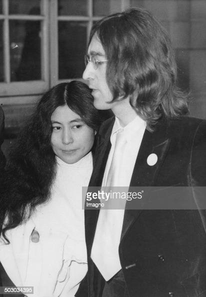 ono dating John winston ono lennon, mbe (born john winston lennon 9 october 1940 – 8 december 1980) was an english singer, songwriter, musician, and peace activist who co-founded the beatles, the most commercially successful band in the history of popular music he and fellow member paul mccartney formed a much-celebrated songwriting.
