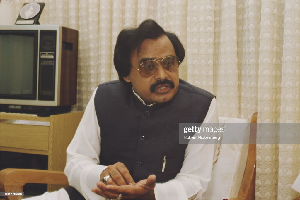 British Pakistani politician and leader of the Muttahida Qaumi Movement, <a gi-track='captionPersonalityLinkClicked' href=/galleries/search?phrase=Altaf+Hussain+-+Muttahida+Qaumi+Movement&family=editorial&specificpeople=12871789 ng-click='$event.stopPropagation()'>Altaf Hussain</a>, Pakistan, 1990.