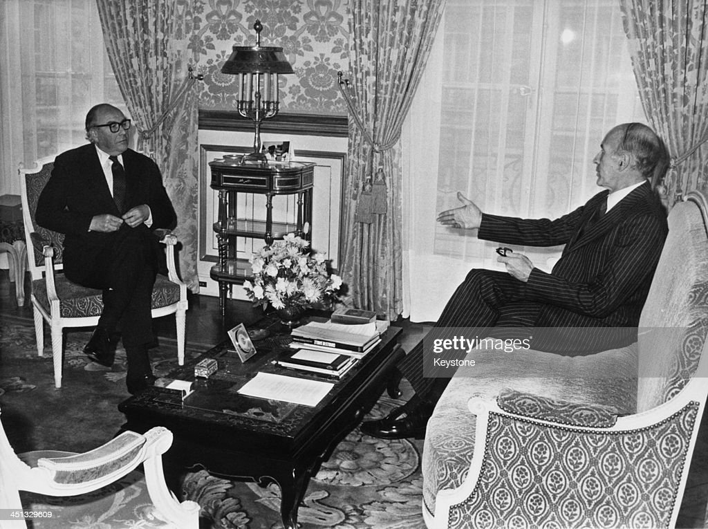 British President of the European Commission, Roy Jenkins (1920 - 2003) meets with French Prime Minister Valéry Giscard d'Estaing in Paris, 27th November 1980.
