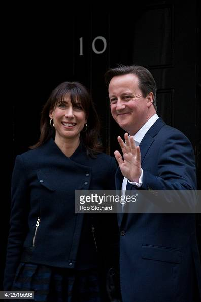 British Prime Minister David Cameron and his wife Samantha Cameron arrive at 10 Downing Street on May 8 2015 in London England After the United...