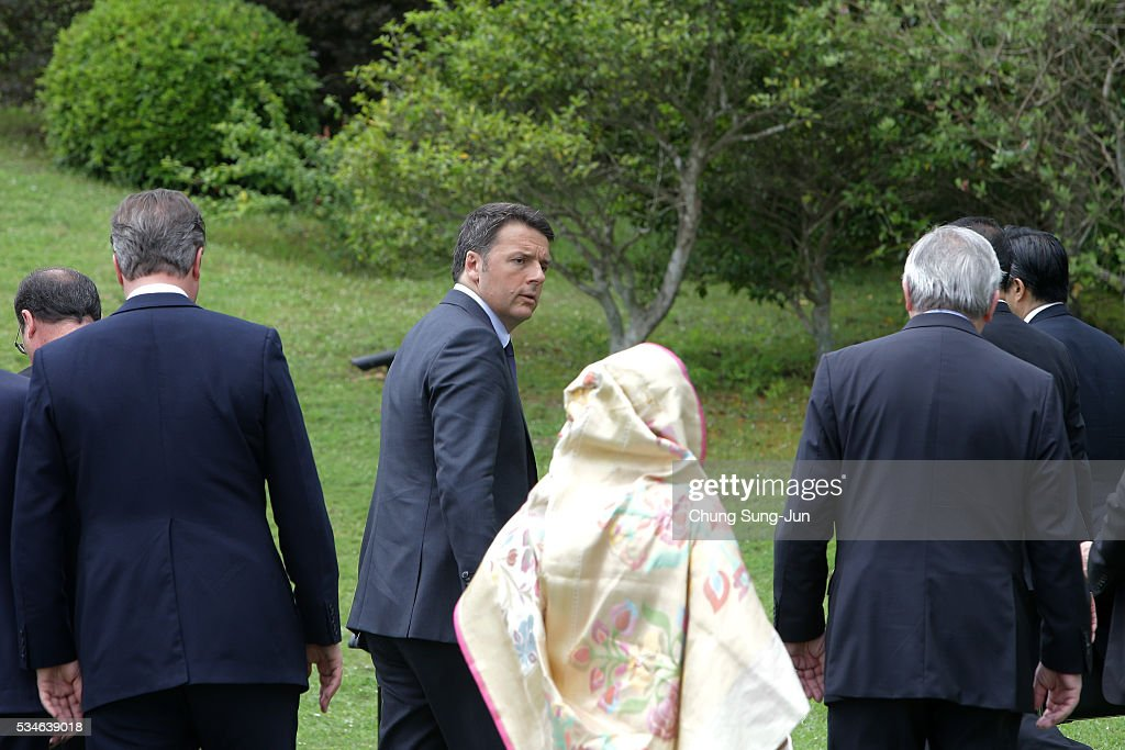 British Prime Minister David Cameron, Italian Prime Minister Matteo Renzi and Bangladesh Prime Minister Sheikh Hasina leave after the 'Outreach Family Photo Session' on May 27, 2016 in Kashikojima, Japan. In the two-day summit, the G7 leaders are scheduled to discuss the pressing global issues including counter-terrorism, energy policy, and sustainable development.
