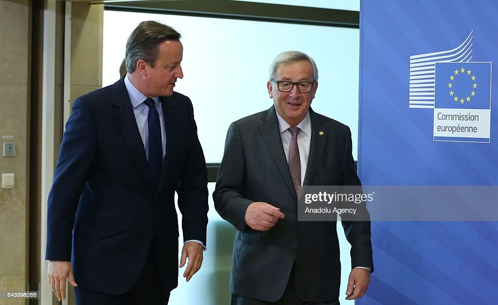 British Prime Minister David Cameron (L) meets the President of the European Commission, Jean-Claude Juncker ahead of the EU Leaders Summit in Brussels, Belgium on June 28, 2016.
