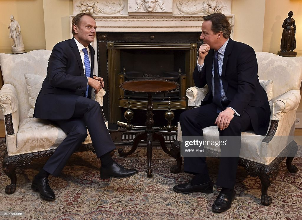 British Prime Minister <a gi-track='captionPersonalityLinkClicked' href=/galleries/search?phrase=David+Cameron+-+Pol%C3%ADtico&family=editorial&specificpeople=227076 ng-click='$event.stopPropagation()'>David Cameron</a> (R) speaks with European Council President <a gi-track='captionPersonalityLinkClicked' href=/galleries/search?phrase=Donald+Tusk&family=editorial&specificpeople=870281 ng-click='$event.stopPropagation()'>Donald Tusk</a> at Downing Street on January 31, 2016 in London, Britain.