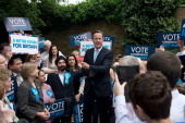 British Prime Minister David Cameron talks during a campaign rally on May 21 2014 in Ealing England The rally comes in the final day of campaigning...