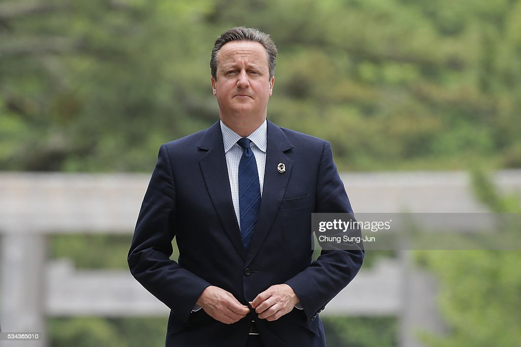 British Prime Minister David Cameron walks on the Ujibashi bridge as he visit at the Ise-Jingu Shrine on May 26, 2016 in Ise, Japan. In the two-day summit, the G7 leaders are scheduled to discuss the pressing global issues including counter-terrorism, energy policy, and sustainable development.