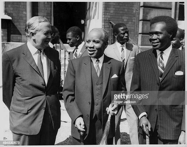 British Prime Minister Harold Wilson Malawi Prime Minister Hastings Banda and Ugandan Prime Minister Milton Obote in the gardens of Marlborough House...