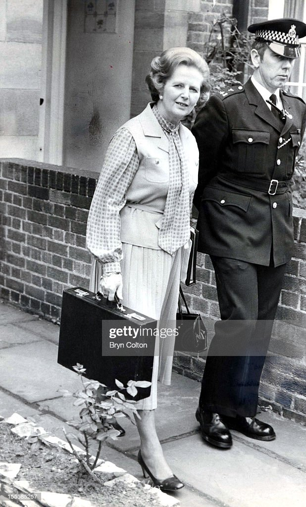 British Prime Minister <a gi-track='captionPersonalityLinkClicked' href=/galleries/search?phrase=Margaret+Thatcher&family=editorial&specificpeople=159677 ng-click='$event.stopPropagation()'>Margaret Thatcher</a> leaves her Flood Street home and heads for 10 Downing Street on her first day in office after the UK General Election, London, 4th June 1979.