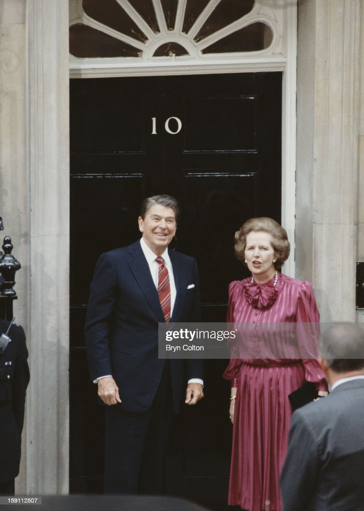 British Prime Minister <a gi-track='captionPersonalityLinkClicked' href=/galleries/search?phrase=Margaret+Thatcher&family=editorial&specificpeople=159677 ng-click='$event.stopPropagation()'>Margaret Thatcher</a> with US President <a gi-track='captionPersonalityLinkClicked' href=/galleries/search?phrase=Ronald+Reagan+-+US+President&family=editorial&specificpeople=69998 ng-click='$event.stopPropagation()'>Ronald Reagan</a> (1911 - 2004) on the steps of 10 Downing Street, the day after the official start of the G7 Seven-Nation Economic Summit in London, 5th June 1984.