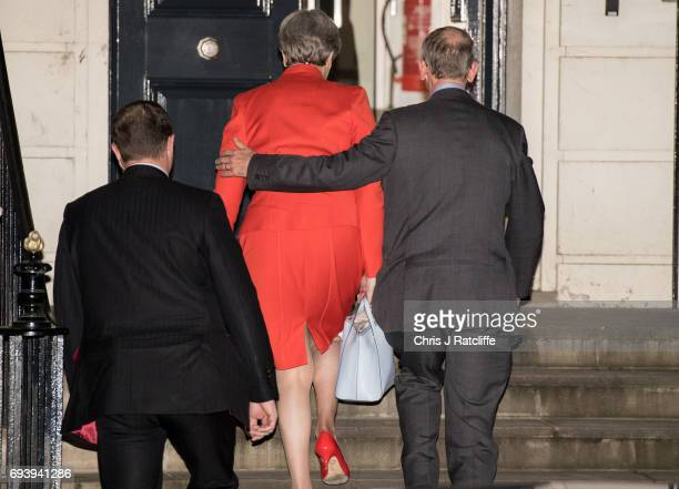 British Prime Minister Theresa May arrives at Conservative Party Headquaters with her husband Philip May on June 9 2017 in London England After a...