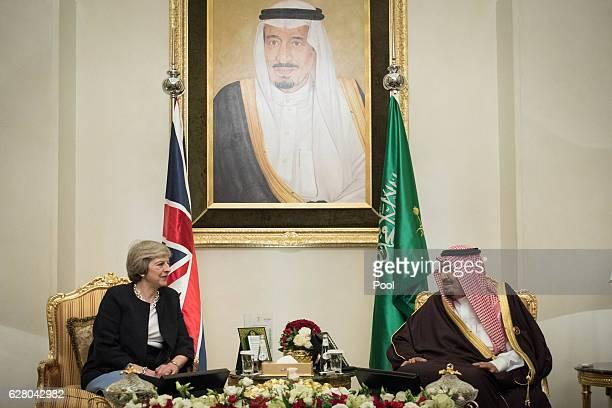 British Prime Minister Theresa May meets King Salman bin Abdulaziz al Saud of Saudi Arabia on December 6 2016 in Manama Bahrain Prime Minister May is...