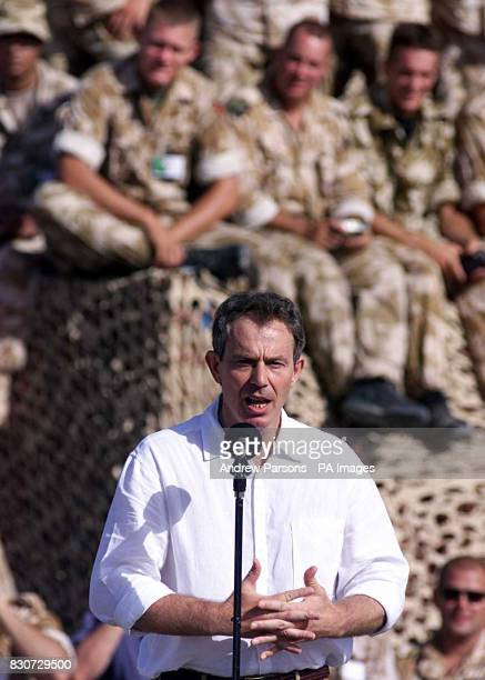 British Prime Minister Tony Blair addresses the troops at Al Sha'afa camp in north Oman as part of a two day diplomatic visit to the area *Al Sha'afa...