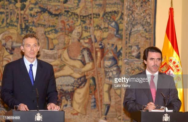 British Prime Minister Tony Blair and Spanish President Jose Maria Aznar