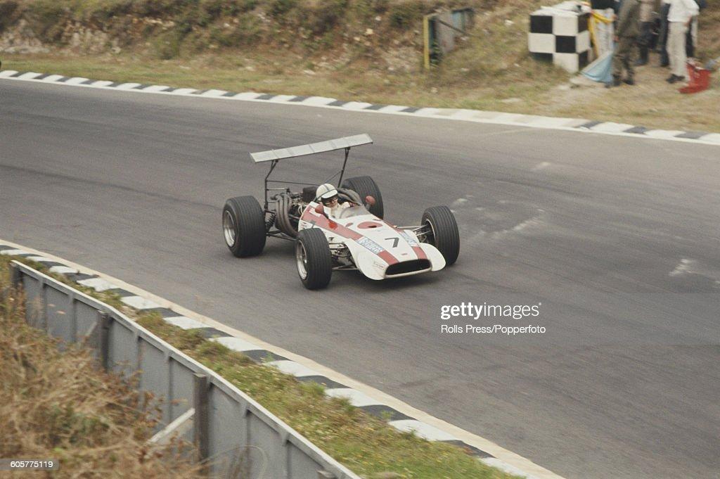 british-racing-driver-john-surtees-of-th