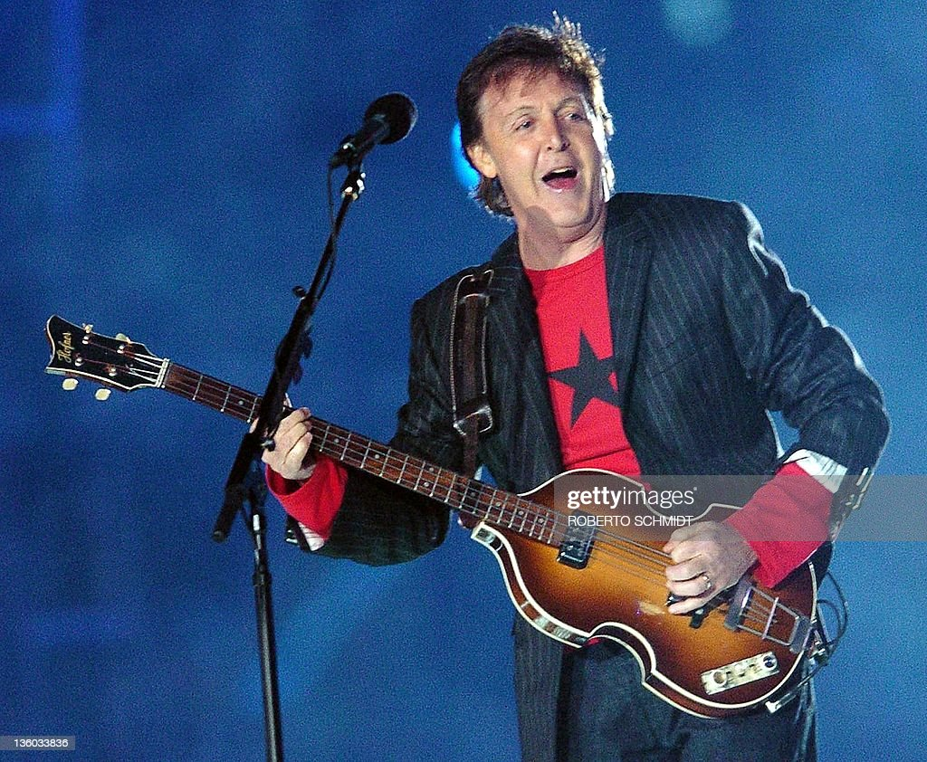 British rock legend Paul McCartney performs at halftime of Super Bowl XXXIX 06 February 2005 at Alltel Stadium in Jacksonville FL AFP PHOTO/Roberto...