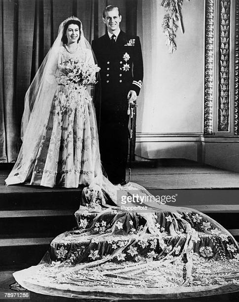 20th November 1947 Buckingham Palace London The wedding of Princess Elizabeth and the Duke of Edinburgh showing the couple at the Palace after their...