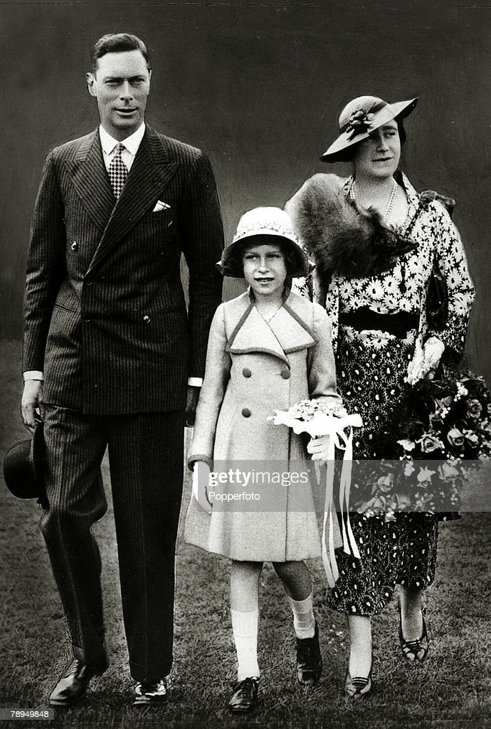 circa 1935 HRHThe Duke and Duchess of York of York with their daughter Princess Elizabeth The Duke of York became King George VI and reigned 19361952...