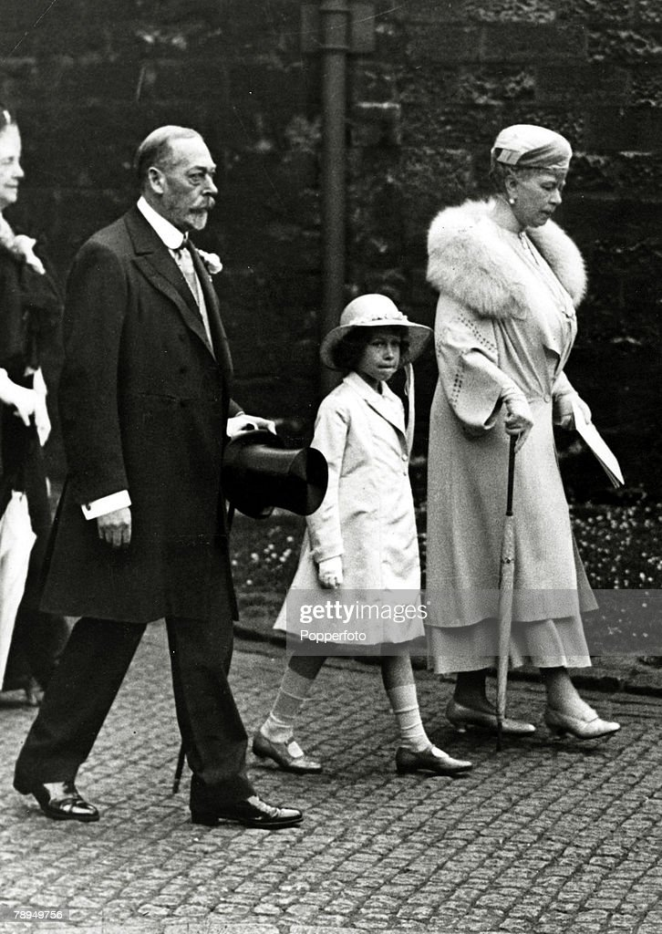 June 1934, HM, King <a gi-track='captionPersonalityLinkClicked' href=/galleries/search?phrase=George+V&family=editorial&specificpeople=93661 ng-click='$event.stopPropagation()'>George V</a> with Queen Mary and with the young Princess Elizabeth on the way to Westminster Abbey, to attend a pilgramage to Cathedrals on behalf of the unemployed