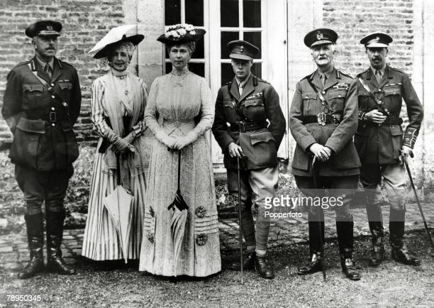 1917 HM Queen Mary with HRHEdward Prince of Wales with Sir Arthur Sloggatt and party at Montigny France during a visit to the Western Front The...