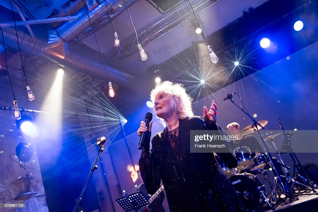 British singer and actress Petula Clark performs live during a concert at the Schwuz on April 28, 2016 in Berlin, Germany.