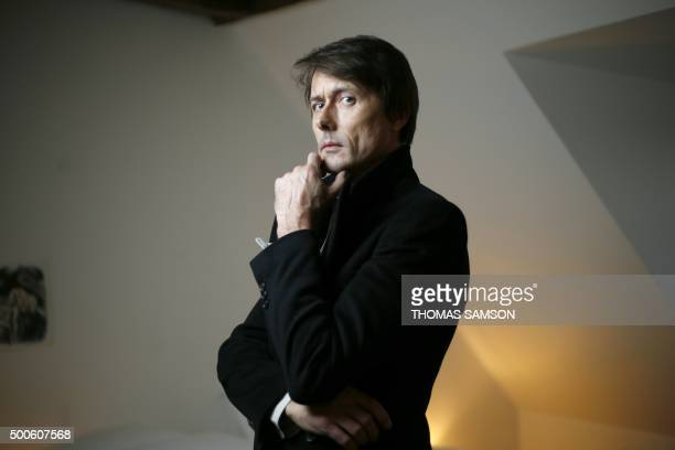 British singer and songwriter best known as the lead vocalist of the band Suede Brett Anderson poses in Paris on December 9 2015 / AFP / THOMAS SAMSON
