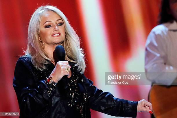 British singer Bonnie Tyler during the tv show 'Willkommen bei Carmen Nebel' at Velodrom on October 1 2016 in Berlin Germany