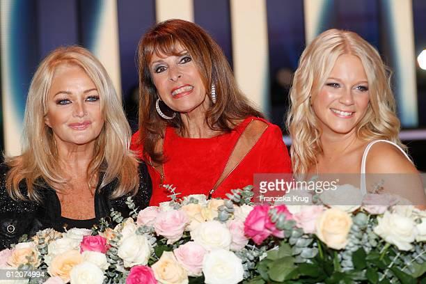 British singer Bonnie Tyler singer Ireen Sheer and swedish singer Julia Lindholm during the tv show 'Willkommen bei Carmen Nebel' at Velodrom on...