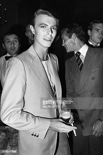 British singer David Bowie poses during the 31th Cannes Film Festival on May 30 1978 AFP PHOTO RALPH GATTI / AFP / RALPH GATTI