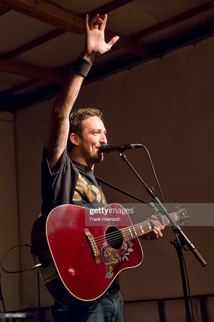 British singer Frank Turner performs live during a concert at the Escobar Sun Deck on September 9 2015 in Berlin Germany