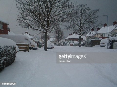 British Suburb Snow Street Scene of 2010 : Stock Photo