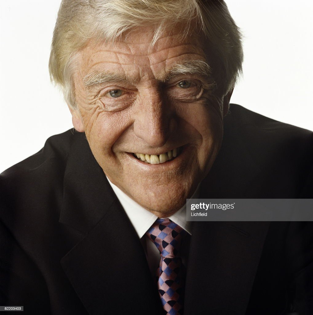 British television and radio presenter and journalist Michael Parkinson, photographed in the Studio on 18th May 1998. (Photo by Lichfield/Getty Images).