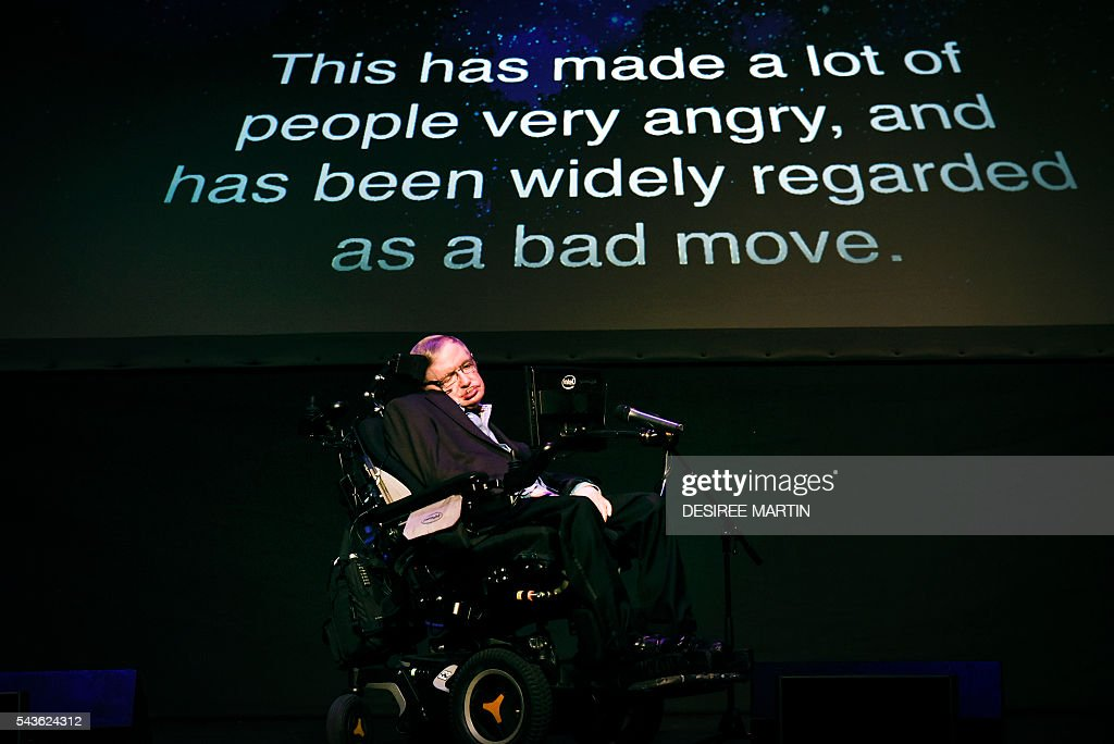 British theoretical physicist professor Stephen Hawking gives a lecture entitled: 'A Brief History of Mine' during the Starmus Festival on the Spanish Canary island of Tenerife on June 29, 2016 / AFP / DESIREE
