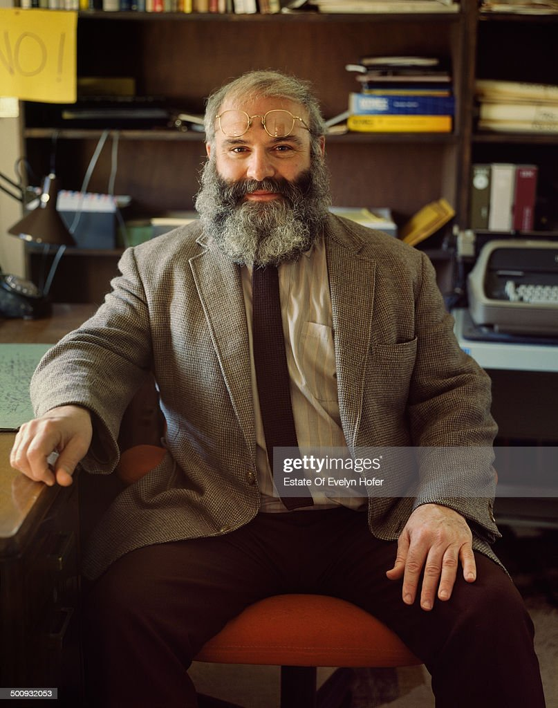 British-American neurologist and writer <a gi-track='captionPersonalityLinkClicked' href=/galleries/search?phrase=Oliver+Sacks&family=editorial&specificpeople=597933 ng-click='$event.stopPropagation()'>Oliver Sacks</a>, 1987.