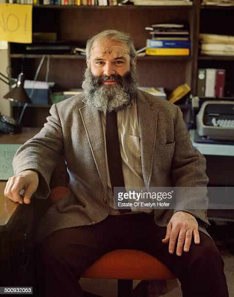 BritishAmerican neurologist and writer Oliver Sacks 1987