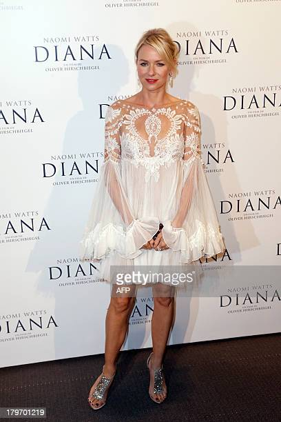 BritishAustralian actress Naomi Watts poses as she arrives to attend the French Premiere screening of 'Diana' directed by German movie maker Oliver...