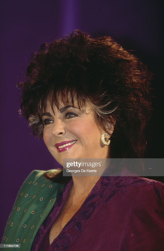 British-born actress <a gi-track='captionPersonalityLinkClicked' href=/galleries/search?phrase=Elizabeth+Taylor&family=editorial&specificpeople=69995 ng-click='$event.stopPropagation()'>Elizabeth Taylor</a> (1932 - 2011), circa 1995.