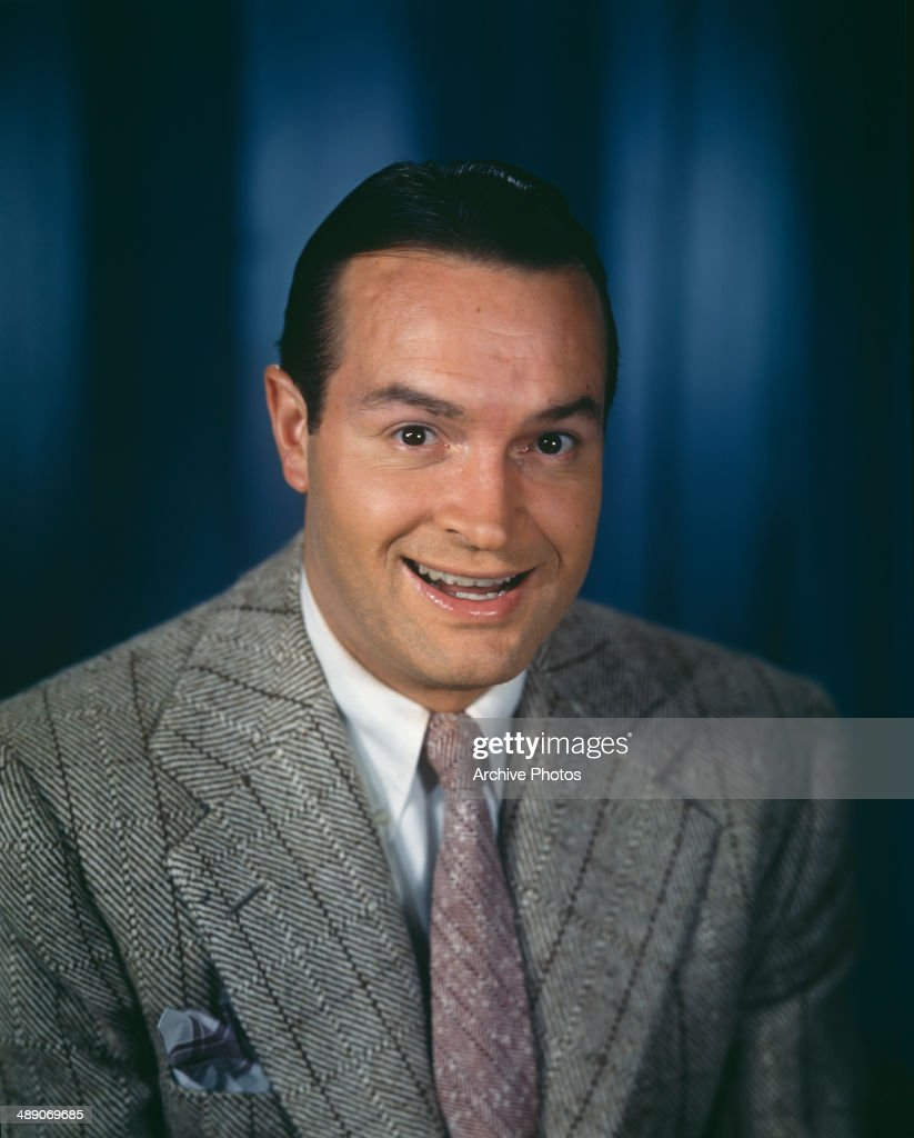 British-born American comedian <a gi-track='captionPersonalityLinkClicked' href=/galleries/search?phrase=Bob+Hope+-+Comedian&family=editorial&specificpeople=70010 ng-click='$event.stopPropagation()'>Bob Hope</a> (1903 - 2003), circa 1950.