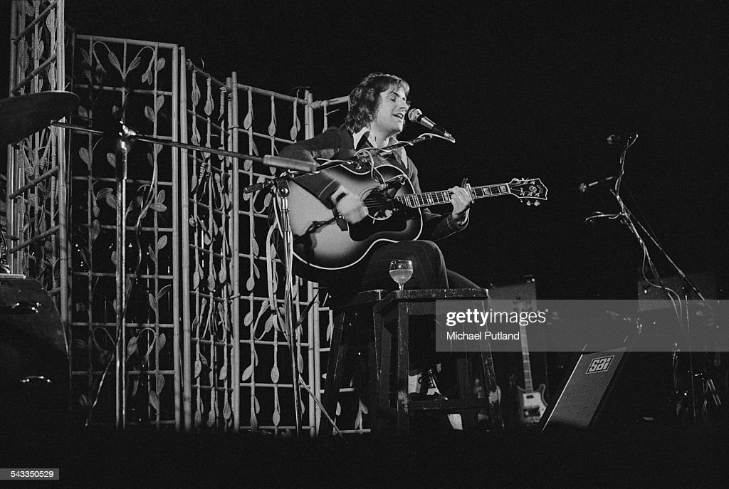 British-Irish singer-songwriter <a gi-track='captionPersonalityLinkClicked' href=/galleries/search?phrase=Chris+de+Burgh&family=editorial&specificpeople=874328 ng-click='$event.stopPropagation()'>Chris de Burgh</a> performing on stage, 10th March 1975.