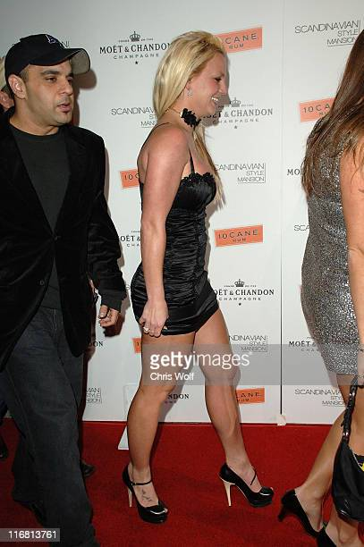 Britney Spears at Scandinavian Style Mansion on December 1 2007 in Beverly Hills California