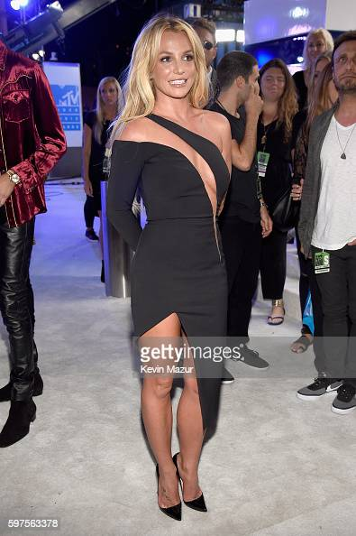 britney-spears-attends-the-2016-mtv-video-music-awards-at-madison-picture-id597563378