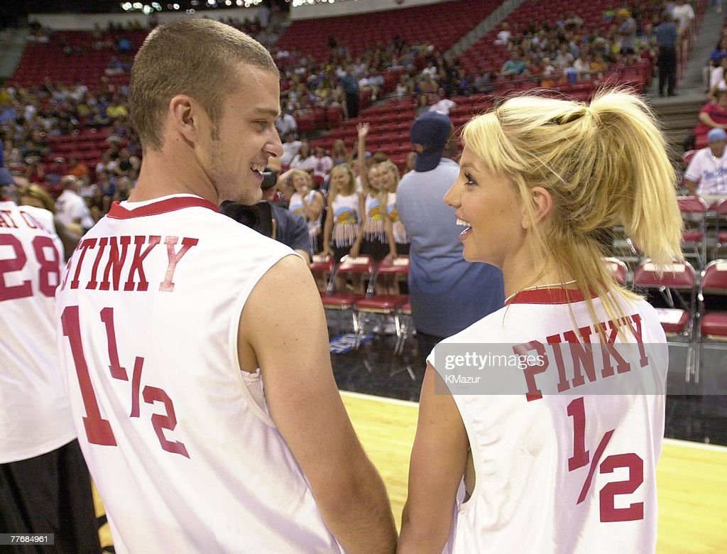 ¿Cuánto mide Britney Spears? - Altura - Real height Britney-spears-justin-timberlake-picture-id77684961
