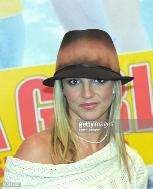 Britney Spears Köln KinoFilmPremiere 'Not a Girl' Hut Schauspielerin Sängerin Promi PNr 088/2004 HD/MP Foto PBischoff/N Veröffentlichung nur gegen...
