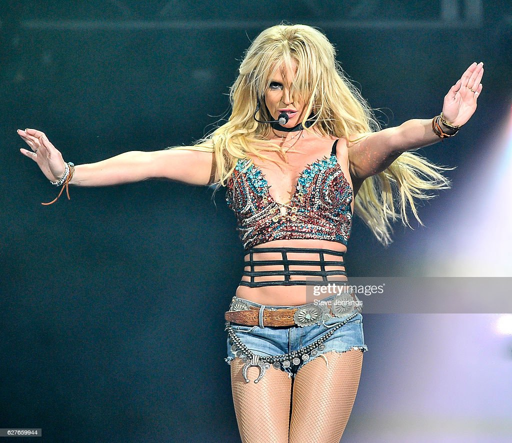 britney-spears-performs-at-the-now-997-triple-ho-show-70-at-sap-on-picture-id627659944?k=6&m=627659944&s=594x594&w=0&h=ORUvdyKTUc5ubolLJ8BqwH2EN0l-fVxHOxbLxMeJ-To=