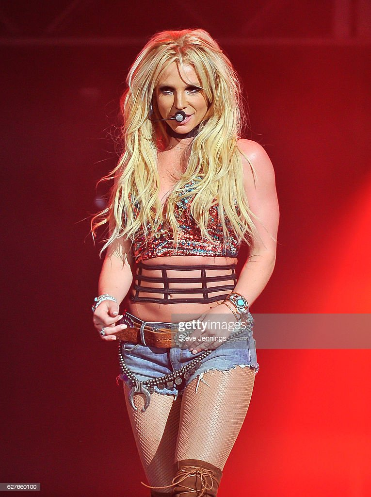 britney-spears-performs-at-the-now-997-triple-ho-show-70-at-sap-on-picture-id627660100?k=6&m=627660100&s=594x594&w=0&h=pvFXJPPLJGHO1awm20a3-KyroP7PzPuQL3cutG37kdI=