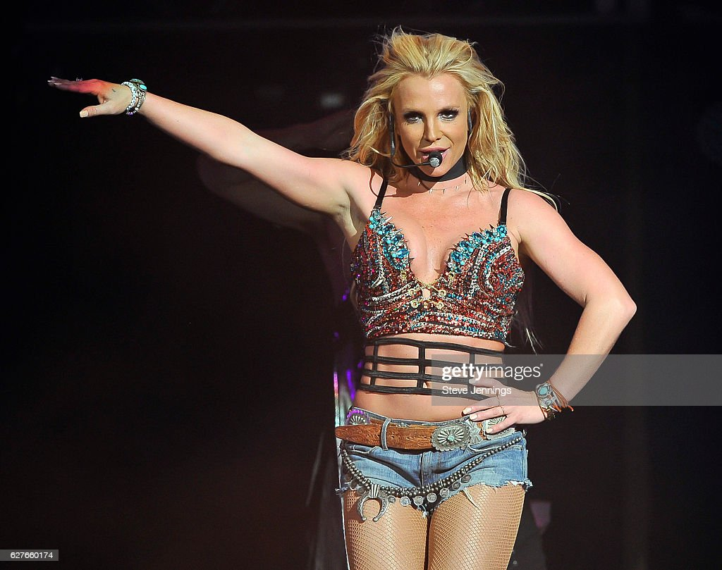 britney-spears-performs-at-the-now-997-triple-ho-show-70-at-sap-on-picture-id627660174?k=6&m=627660174&s=594x594&w=0&h=YyqM7yevza2aubEj68u7ypLCMt7qLCOA3AkqIbq8wxo=