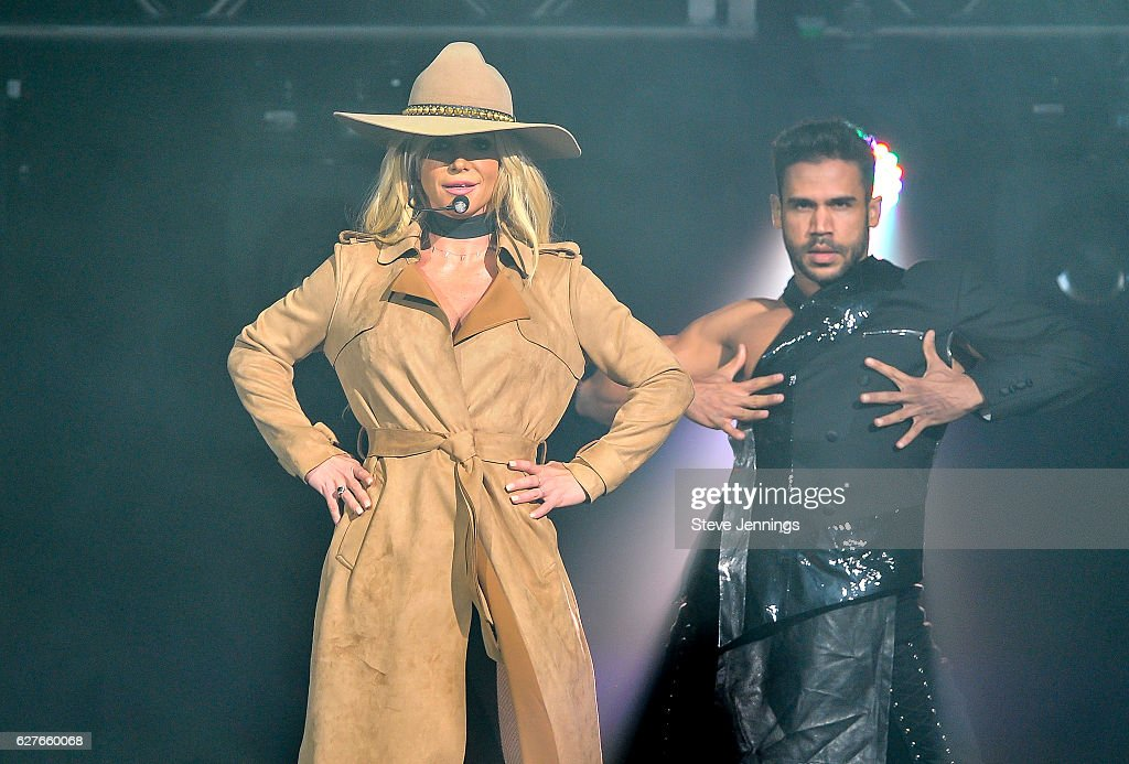 britney-spears-performs-at-the-now-997-triple-ho-show-70-t-sap-center-picture-id627660068?k=6&m=627660068&s=594x594&w=0&h=m2NEPlJqUOQz6rajhsZ8a-r2ifWESp1HLiitD45HiwQ=
