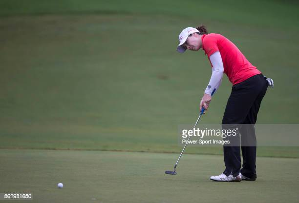 Brittany Altomare of the US putts on the 18th green during day one of Swinging Skirts LPGA Taiwan Championship on October 19 2017 in Taipei Taiwan