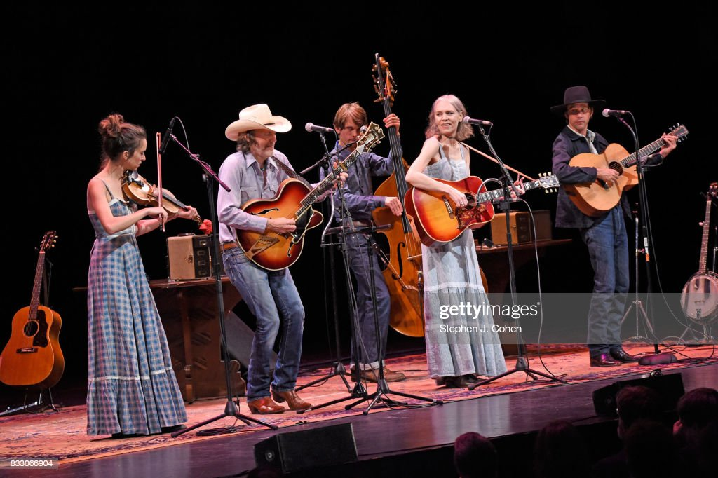 Brittany Haas,Dave Rawlings,Gillian Welch,Paul Kowert, and Willie Watson of Dave Rawlings Machine performs at Brown Theatre on August 16, 2017 in Louisville, Kentucky.