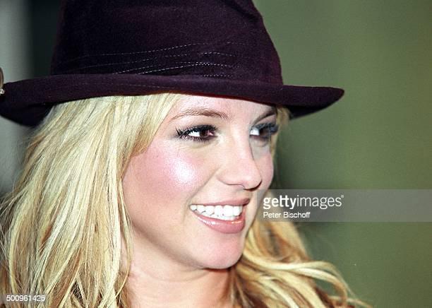 Brittney Spears Köln ARDTalkshow 'Boulevard Bio' Hut Schauspielerin Sängerin Promi PNr 088/2004 HD/MP Foto PBischoff/N Veröffentlichung nur gegen...