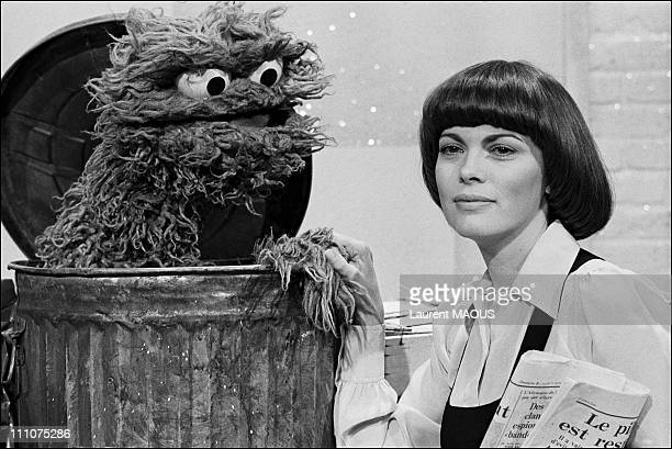 Broadcast TV with Mireille Mathieu in France in March 1977