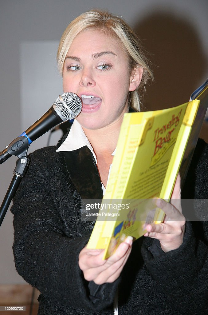 Broadway actress <a gi-track='captionPersonalityLinkClicked' href=/galleries/search?phrase=Laura+Bell+Bundy&family=editorial&specificpeople=666348 ng-click='$event.stopPropagation()'>Laura Bell Bundy</a> reads one of the 'Traveling Bears' books at their series debut at The Children's Museum of Manhattan November 29, 2007 in New York City.